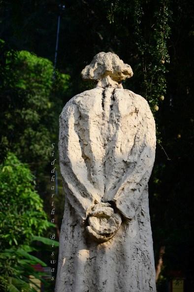 a_statue3